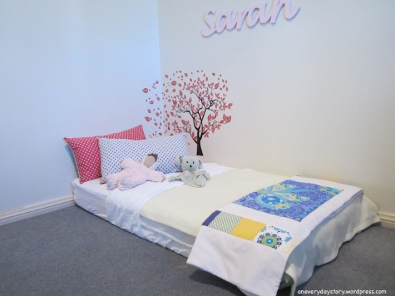 montessori bedroom for toddlers floor bed and cushions