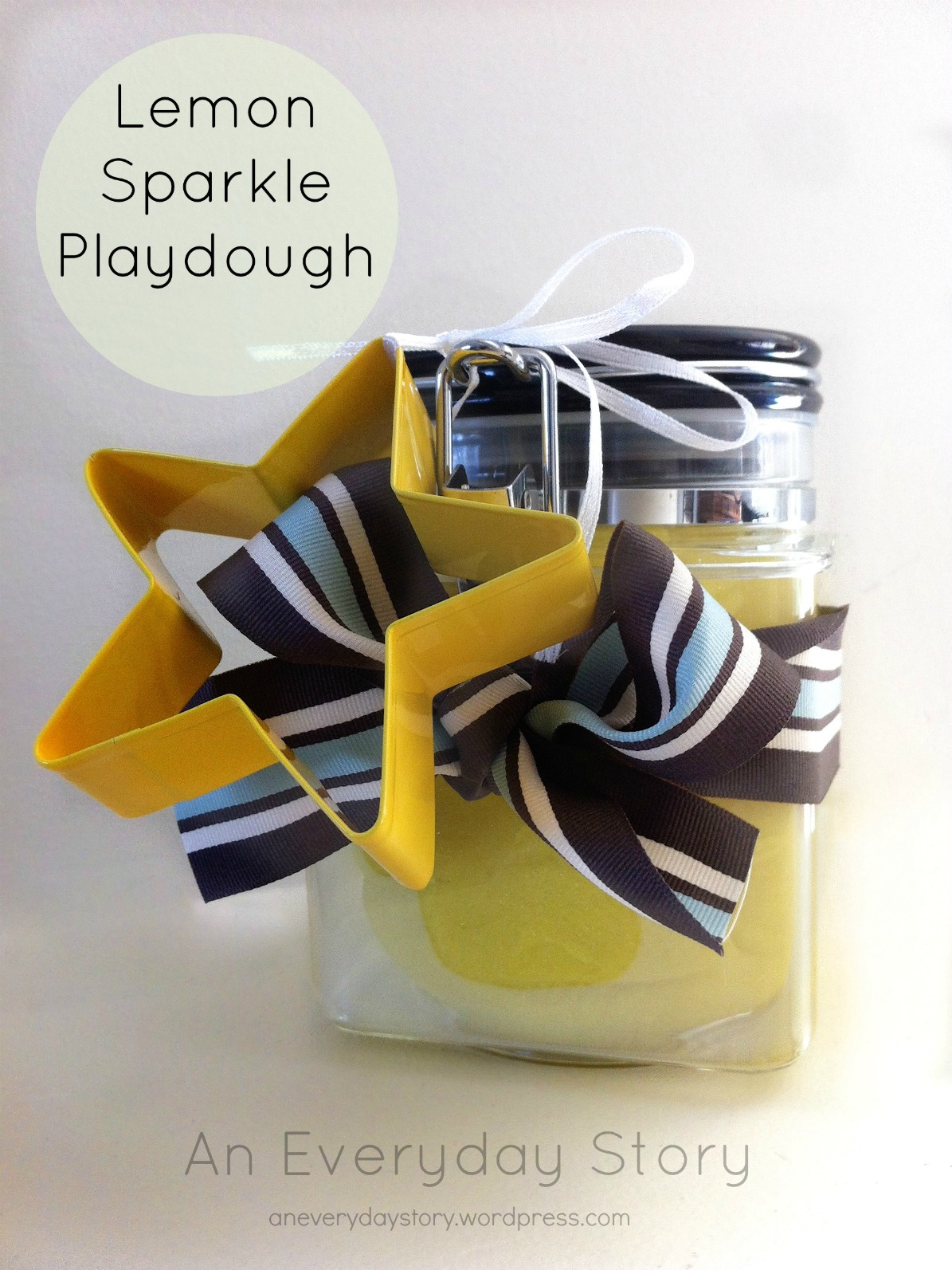 What's in a Gift? – Homemade Lemon Sparkle Playdough